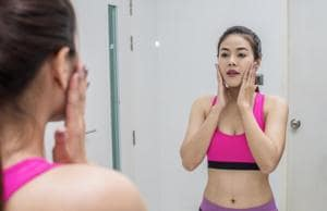 Acne severity was significantly correlated with health-related quality of life and psychological distress.