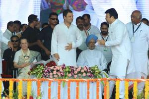 Congress president Rahul Gandhi, Sonia Gandhi, former Prime Minister Manmohan Singh and other senior leaders during a public meeting on the birth anniversary of Mahatma Gandhi at Wardha.