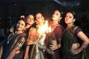 Kangana Ranaut with Ankita Lokhande, Unnatii Davara,Mishti Chakravarty and Priya Gamre on sets of Manikarnika.
