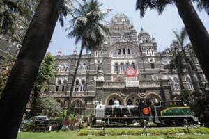 Mumbai, New York and London have an extraordinary diversity of religious, ethnic and linguistic groups; all were great centres of trade, finance, and entrepreneurship; all had an effervescent cultural life in publishing, theatre, and the arts