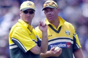 Shane Warne (R)called Steve Waugh 'the most selfish player I have played with'.