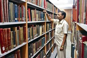 Established in 1902, the Central Archaeological Library is owned by the Archaeological Survey of India and boasts of 1.5 lakh books.