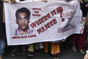 JNU Students with missing JNU Student Najeeb Ahmed's mother Fatima Nafees during a protest march in December 2016.