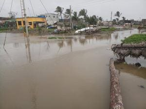 Satpati is a coastal village, inhabited by 35,000 people, surrounded by the Arabian Sea on three sides. Of the total 5,317 houses there, 350 were waterlogged during heavy rainfall and high tide on July 14 this year.