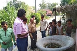 Members of the Central team undertaking a survey to ascertain presence of Zika virus at Hariarpur village in Siwan on Wednesday.