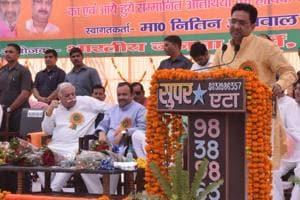 BJP's general secretary(organisation) Sunil Bansal addressing a rally in Hardoi.
