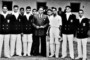 Joginder Singh Rao (extreme left) with the first cricket captain of independent India, Lala Amarnath (centre).
