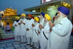 (Right to Left) Former SAD MP Rattan Singh Ajnala, SGPC member and SAD leader Bhai Manjeet Singh, SAD MP from Khadoor Sahib Ranjeet Singh Brahmpura (R), SAD leader Sewa Singh Sekhwan, SAD leader Amarpal Singh Bony and SAD leader Ravinder Singh Brahmpura at Golden Temple in Amritsar.