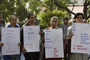 Electronic and Print media journalists stand to protest against the sexual harassment at the work places as part of the #Metoo campaign at Parliament Street in New Delhi, India, on Saturday, October 13, 2018. (Photo by Mohd Zakir/ Hindustan Times)