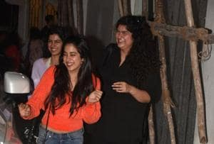 Janhvi, Khushi, Anshula Kapoor were all smiles and laughter at Namaste England screening.