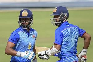 Mumbai skipper Shreyas Iyer(L) has been in fine form in this season's Vijay Hazare trophy.