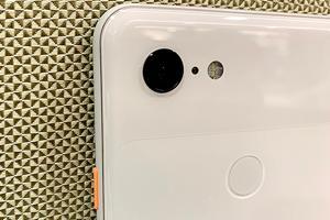 Google Pixel 3 series has a single 12-megapixel rear camera.