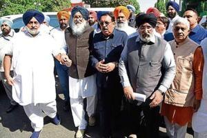 (From left)Akali Dal president Sukhbir Singh Badal, former CM Parkash Singh Badal, BJP state president Shwait Malik, former minister Daljit Singh Cheema and others after meeting Punjab governor VPSingh Badnore in Chandigarh on Tuesday.