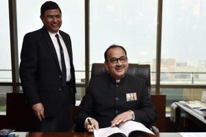 Top CBI officers, Alok Verma (right) and Rakesh Asthana