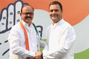 Congress president Rahul Gandhi welcomes former NCP leader Tariq Anwar back into the party fold.