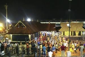 The Kerala high court pointed out that there was no rule that all devotees who go to the Sabarimala temple should carry the sacred kit on their head.