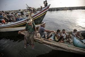 Photos: Yemen's fishermen risk death in violent international waters