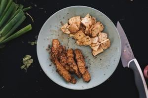 Tofu is silky, tender and easy to cook, apart from being packed with the protein, fibre and healthy carbs you need to feel satisfied and energised.