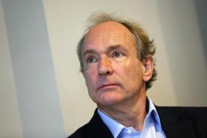World Wide Web founder Tim Berners-Lee attends a news conference in London December 11, 2014.