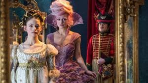 The costumes and production design are gorgeous, though. And Keira Knightley and the young Mackenzie Foy ooze charm.