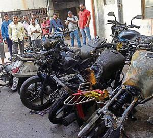 Six motorcycles parked near Kapila vastu housing society in Milindnagar, Pimpri, caught fire that broke out due to an electrical short circuit on Friday morning.