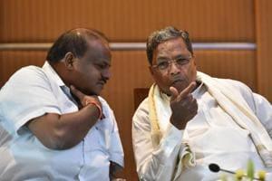 Karnataka CM HD Kumarswamy with Congress leader Siddaramaiah.