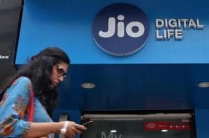 Reliance Jio showed a rise of 1.3 crore subscribers from August.