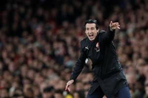 Arsenal manager Unai Emery reacts during the game against Liverpool.