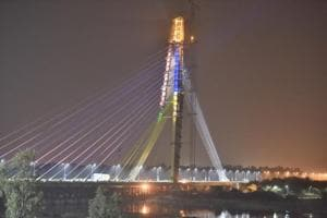 Top facts of Delhi Signature Bridge: It is being projected as India's first asymmetrical cable-stayed bridge, with the gesture 'namaste'.