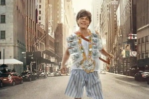 Shah Rukh Khan plays a dwarf in Zero.