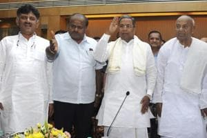Former prime minister and JD(S) National President HD Devegowda with former chief minister Siddaramaiah and Karnataka Chief Minister HD Kumaraswamy in Bengaluru, on Oct 20, 2018.