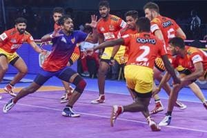 Dabang Delhi and Haryana Steelers were victorious in the Pro Kabaddi League 2018 on Sunday.