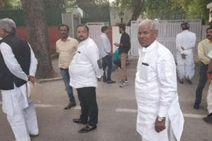 Ticket aspirants for Rajasthan assembly election line up outside Congress