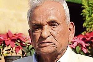 Maharashtra's longest-serving assembly member, Ganpatrao Deshmukh, 92, on Tuesday announced his retirement from electoral politics.
