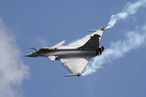 A Rafale single seat jet aircraft during its demonstration flight at the Paris Air Show, in Le Bourget airport, north of Paris on June 19, 2015.