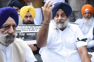 Shiromani Akali Dal president Sukhbir Badal during a protest outside Punjab Chief minister residence, at Sector 3, Chandigarh, India, on Monday, November 05, 2018. (