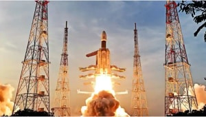 ISRO launches 'Bahubali' satellite, expects high-speed internet services