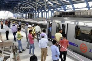 The proposed ban on non-CNG private vehicles in Delhi is not feasible given the lack of public transport options and poor last-mile connectivity from Metro stations, say many residents of the city.