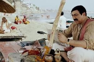 Mohalla Assi movie review: This Sunny Deol, Sakshi Tanwar film has released after a delay of many years.