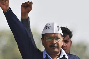 Arvind Kejriwal, chief of Aam Aadmi (Common Man) Party (AAP), shouts slogans at Ramlila ground in New Delhi February 14, 2015. REUTERS/Anindito Mukherjee/File Photo