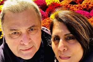 Rishi Kapoor poses with wife Neetu Singh at New York's Central Park.