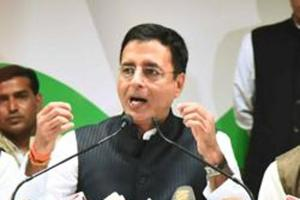 Congress national spokesperson Randeep Singh Surjewala said the cloak of secrecy surrounding the illnesses of Goa chief minister Manohar Parrikar and former Congress president Sonia Gandhi are not comparable .