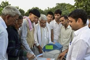 Rebellion in the Congress over distribution of tickets for assembly elections continued in Kota, Jaipur and Ajmer.