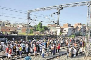The farmers blocked rail tracks to protest non-payment of sugarcane dues by the Punjab government.