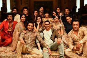 The Housefull 4 cast pose for a group picture.