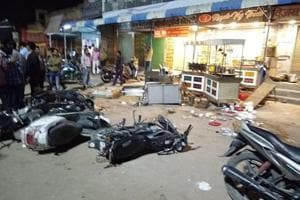 Supporters of Yashpal Gehlot, -the Bikaner district president of Congress, who was dropped from Bikaner East, went on the rampage damaging vehicles and property on Sunday.