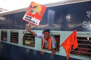 Shiv Sena party workers leave for Ayodhya to join party chief Uddhav Thackeray on Thursday.