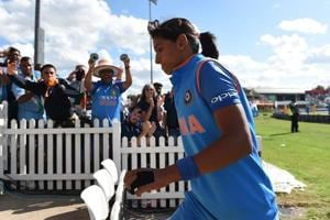 CoA likely to meet Harmanpreet, Mithali; players asked to maintain 'decorum'