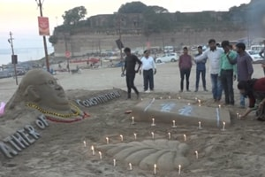 Sand artist pays tribute to Bhimrao Ambedkar on Constitution Day