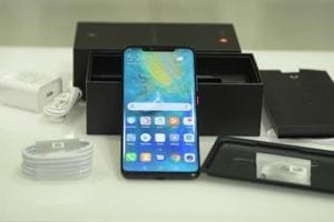 Huawei Mate 20 Pro: Unboxing the new premium phone with 3 rear cameras